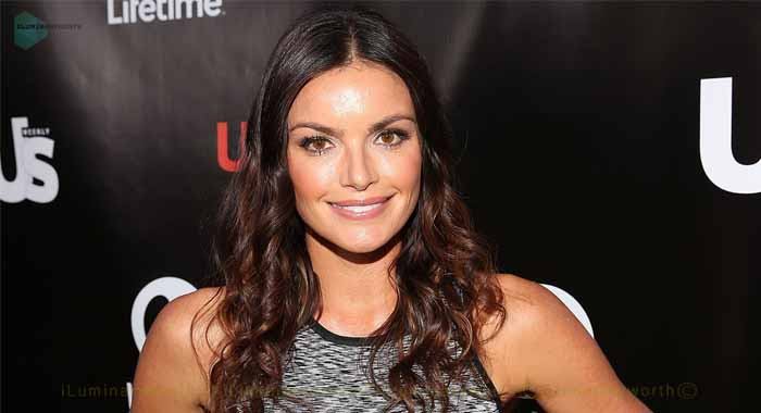The Bachelor Winner Courtney Robertson Expecting Baby with fiance Humberto Preciado