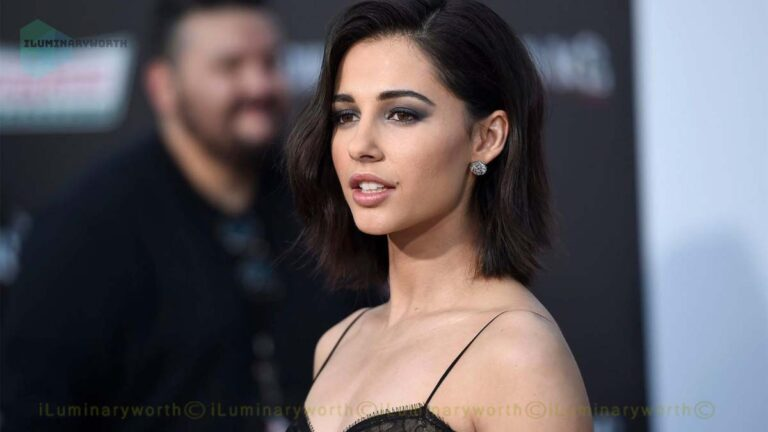 Aladdin Star Naomi Scott's Net Worth 2020 – Earnings From Acting & Singing Career