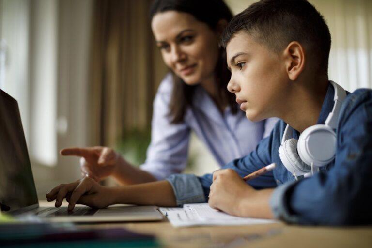 How To Choose an Online Algebra Tutor?